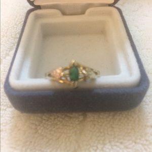 Jewelry - Black Hills Gold Ring W/Emerald